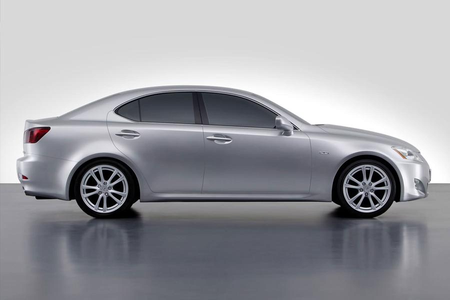 Lexus IS bluetooth iPhone iPod integration