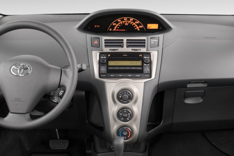 aux and iphone car kit for toyota yaris 2006