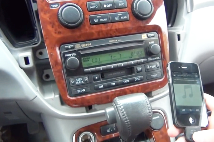 Bluetooth And Iphoneipodaux Kits For Toyota Highlander 20042007 Rhgtacarkits: 2007 Highlander Aftermarket Radio At Elf-jo.com