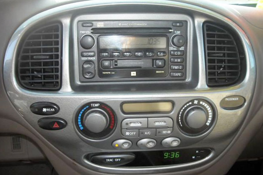 Bluetooth And Iphoneipodaux Kits For Toyota Sequoia 20032007 Rhgtacarkits: 2007 Toyota Tundra Radio Upgrade At Elf-jo.com