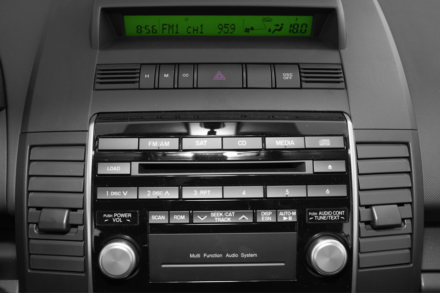 2005 mazda 3 audio aux